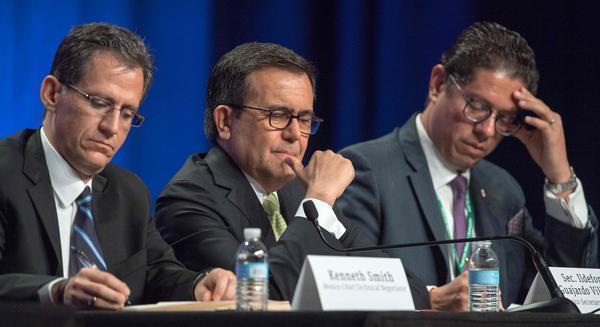 NAFTA talks begin with U.S. pledging major changes in trade pact