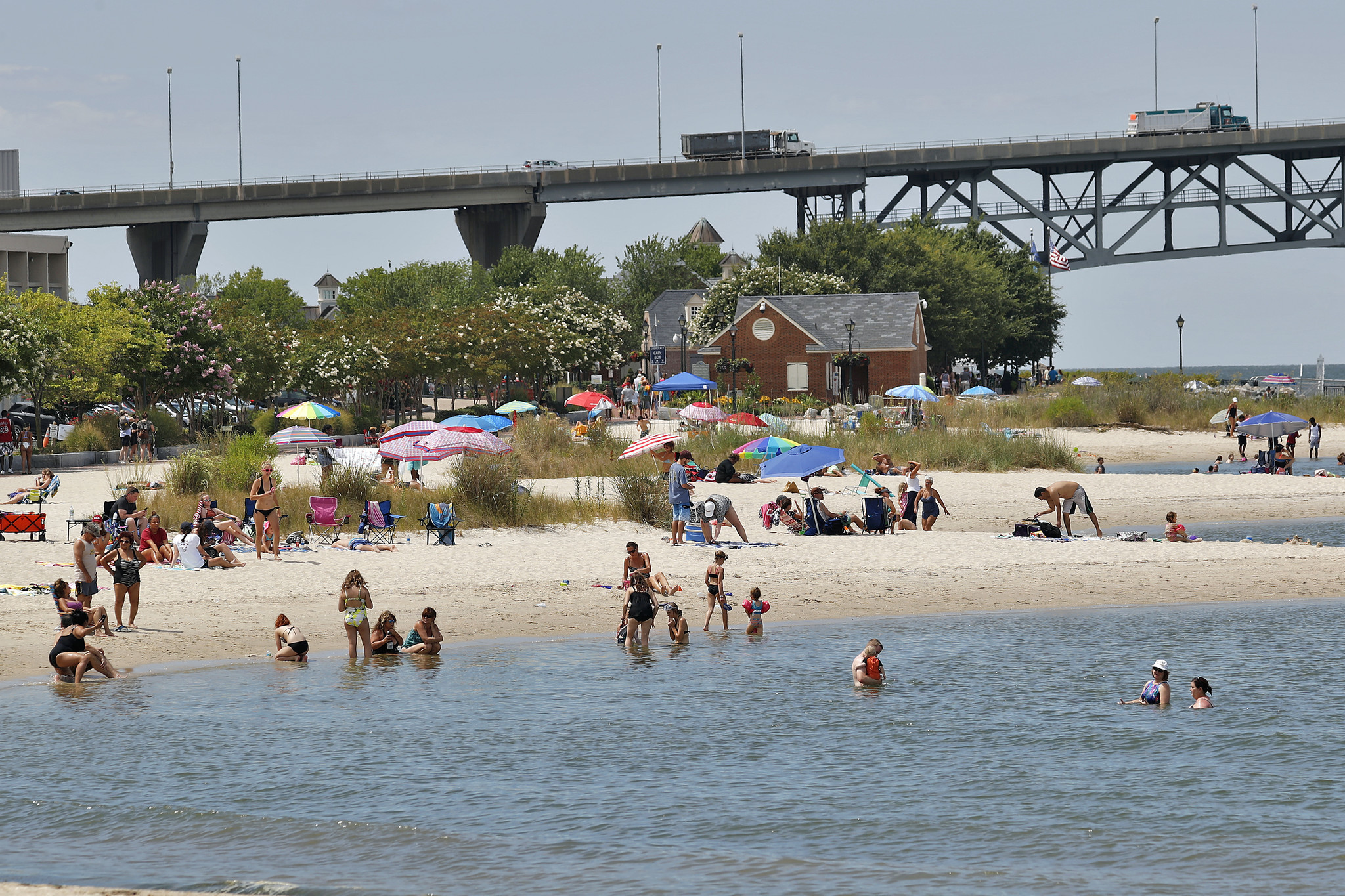 Yorktown Beach Restaurants