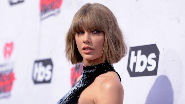 Taylor Swift makes 'generous investment' in Mariska Hargitay's sexual assault victims' charity