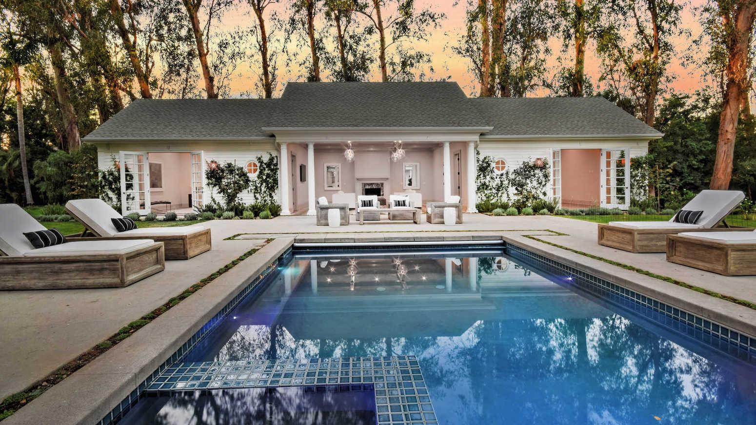 Former Smokey Robinson estate in Encino | Hot Property