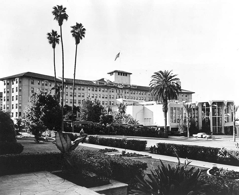 A 1975 photo of the Ambassador Hotel on Wilshire Boulevard.