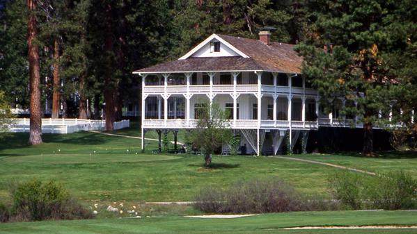 Fire forces evacuations in Yosemite area, including the old Wawona Hotel