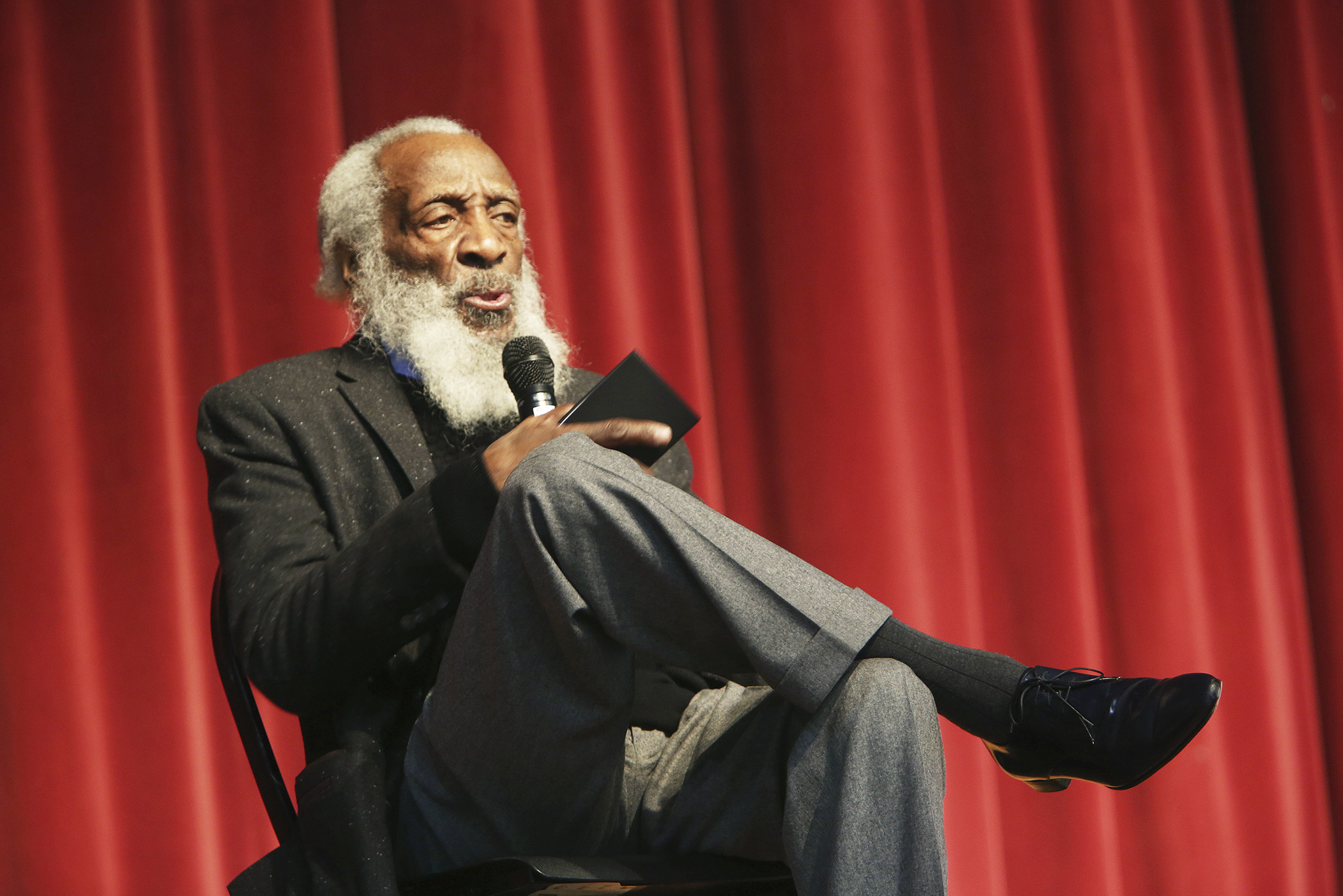 Dick Gregory, the longtime civil rights activist, writer, social critic and comedian, speaks to a crowd attending the MLK Leadership Luncheon at the 16th annual Tampa Bay Black Heritage Festival. (Scott Keeler /Tampa Bay Times via AP)