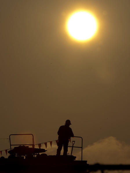 Monday expected to be hot, sunny and eclipse-friendly