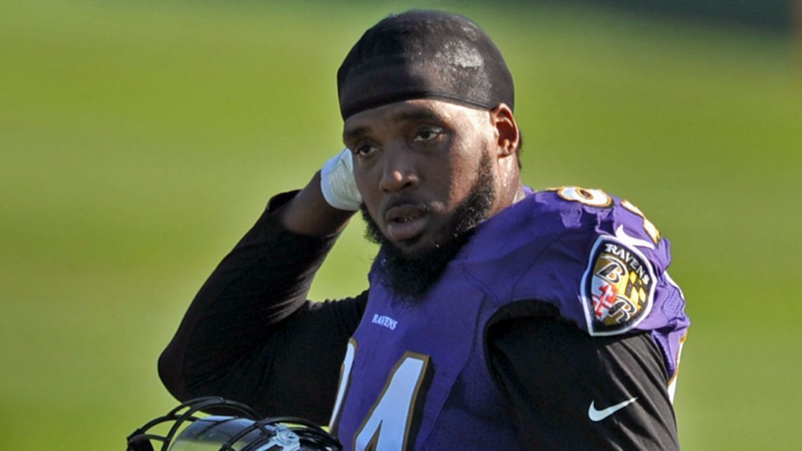 Bs-sp-larry-donnell-isnt-worrying-about-status-on-ravens-20170820