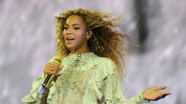 Beyoncé will release a $300, 600-page coffee table book