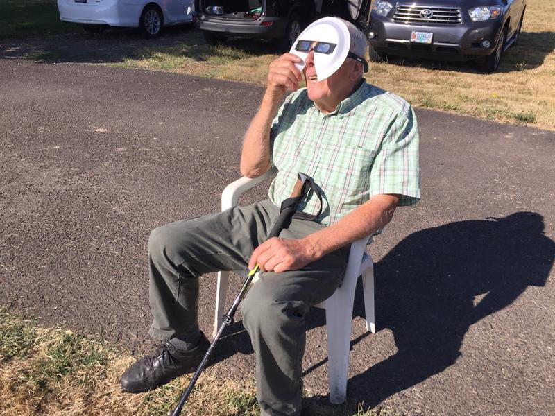 """You couldn't dream it,"" 88-year-old Bob Richard Sr.said of the eclipse. (Andrea Chang / Los Angeles Times)"