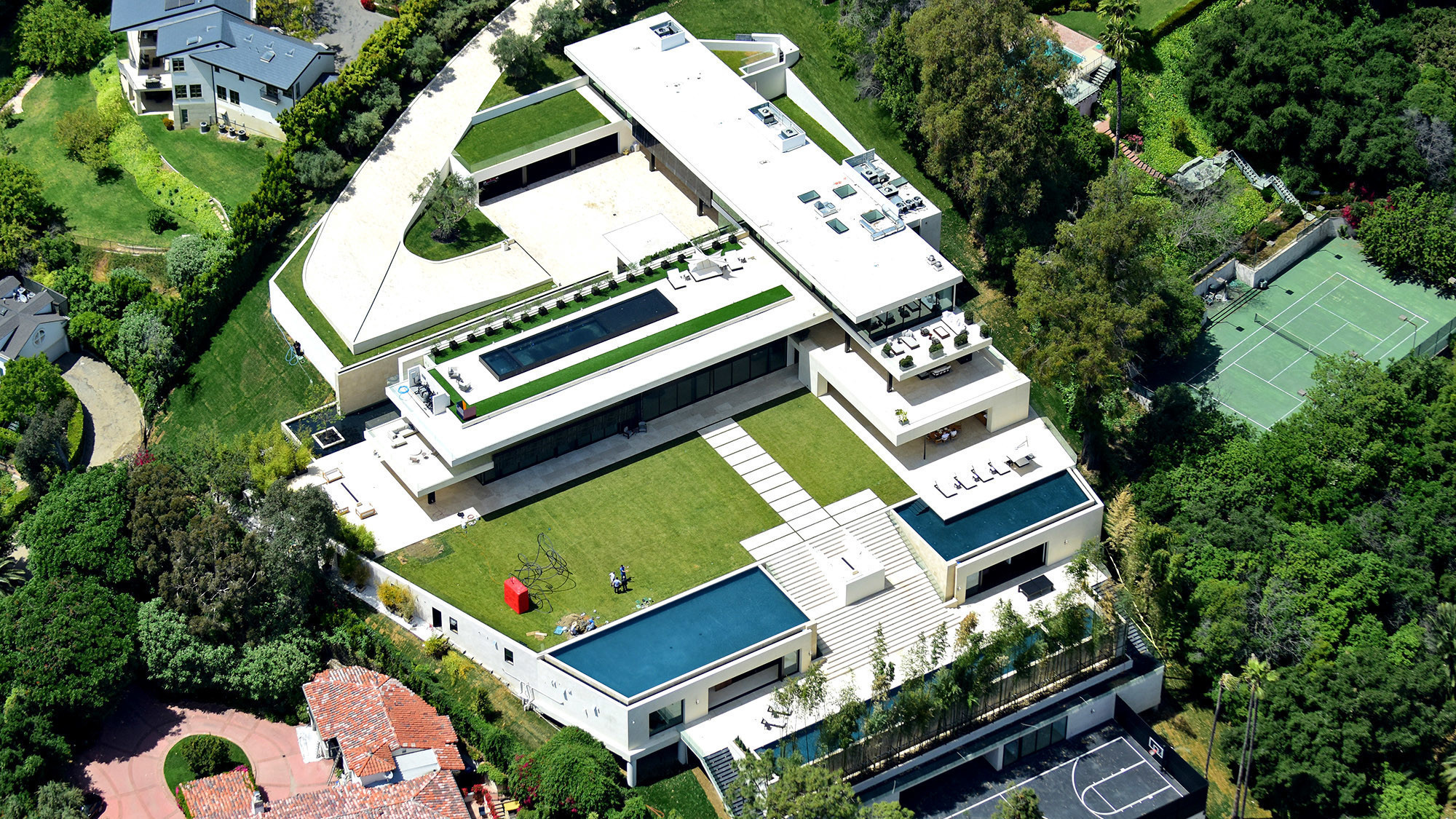 Jay-Z and Beyoncé land a $52.8-million mortgage for Bel-Air mansion