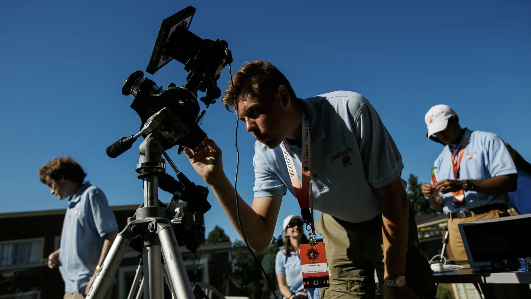 Students from Williams College accompany Jay Pasachoff as he leads the solar eclipse observation in Salem, Ore.