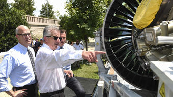 Pratt & Whitney's New Jet Engine Facing Stiff Competition from General Electric