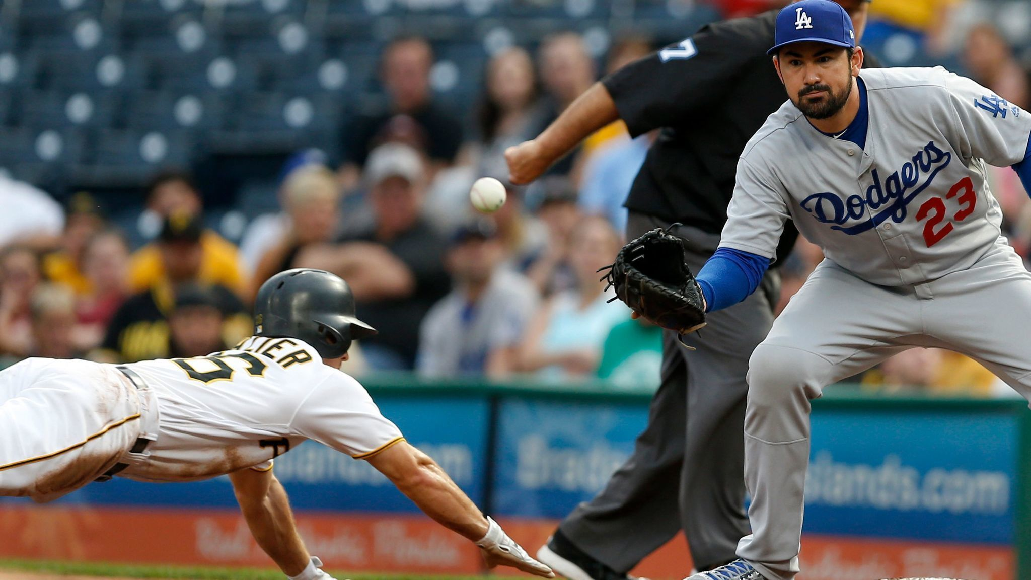 Adrian Gonzalez collects 2000th hit during Dodgers' 8-5 battering of Pirates