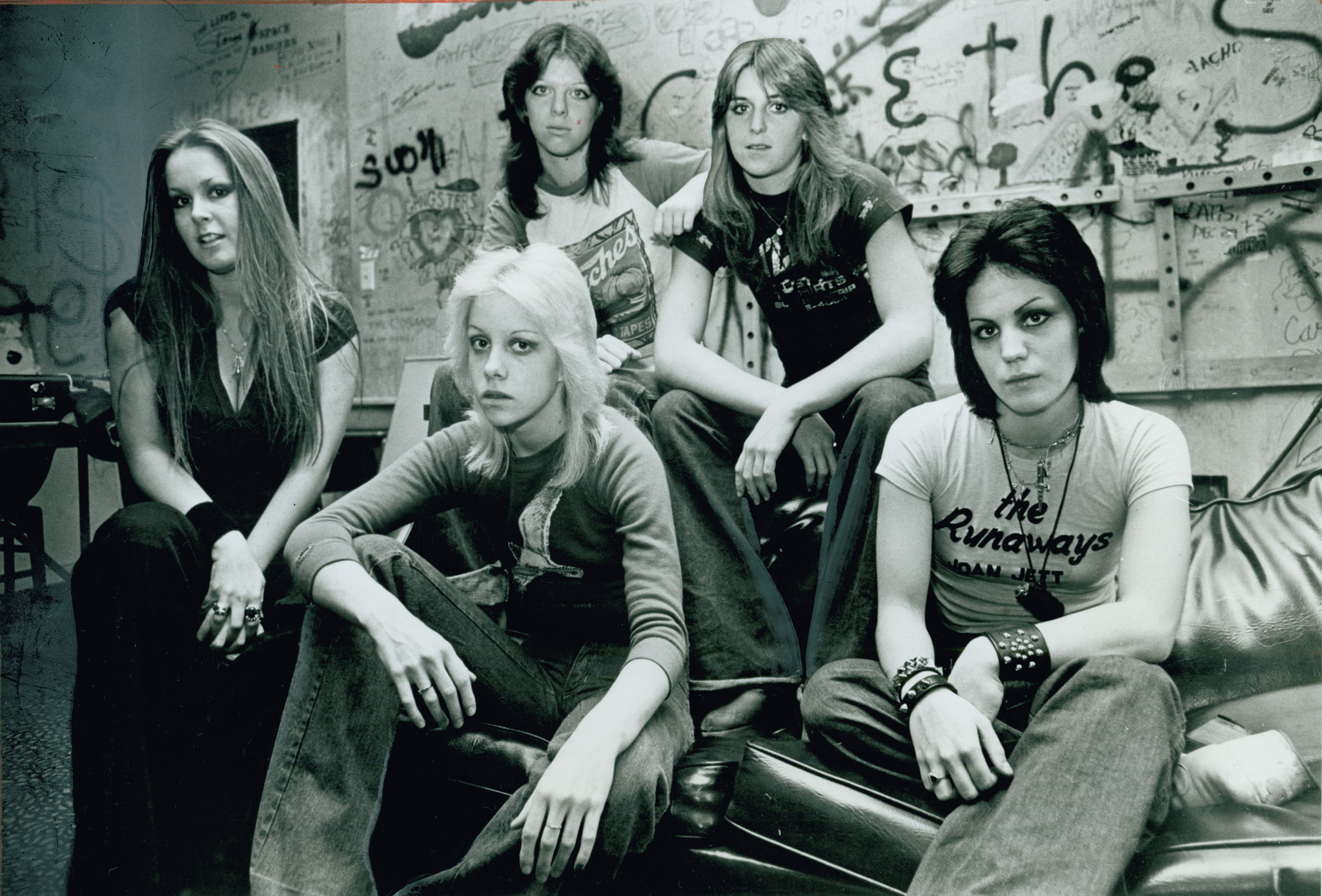 The Runaways, from left, Lita Ford, Cherie Currie, Jackie Fox, Sandy West and Joan Jett in the Whisky s dressing room in 1977.