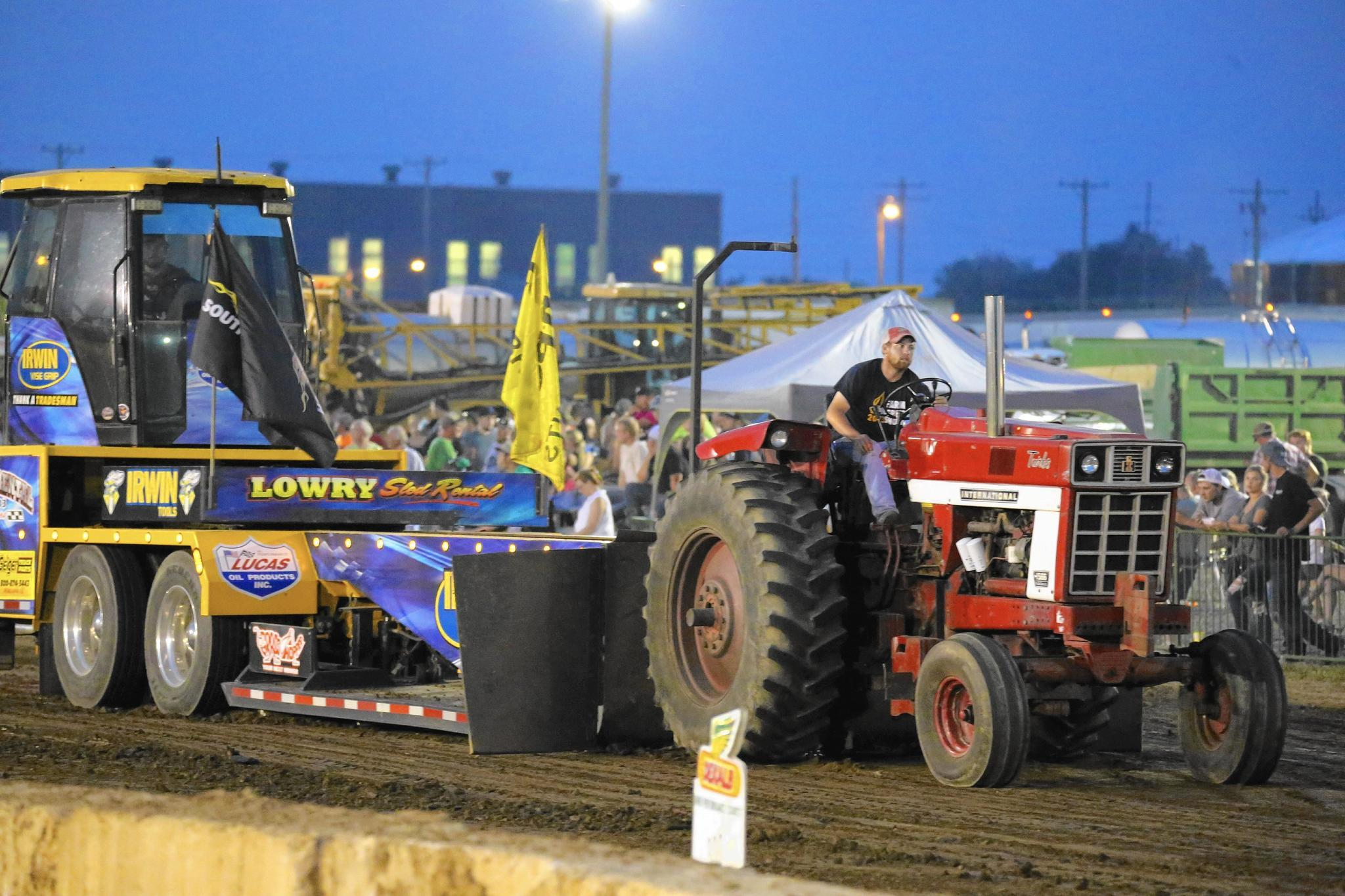 Super Stock Tractor Pulling Engines : Truck tractor pull returns to expo center in valparaiso