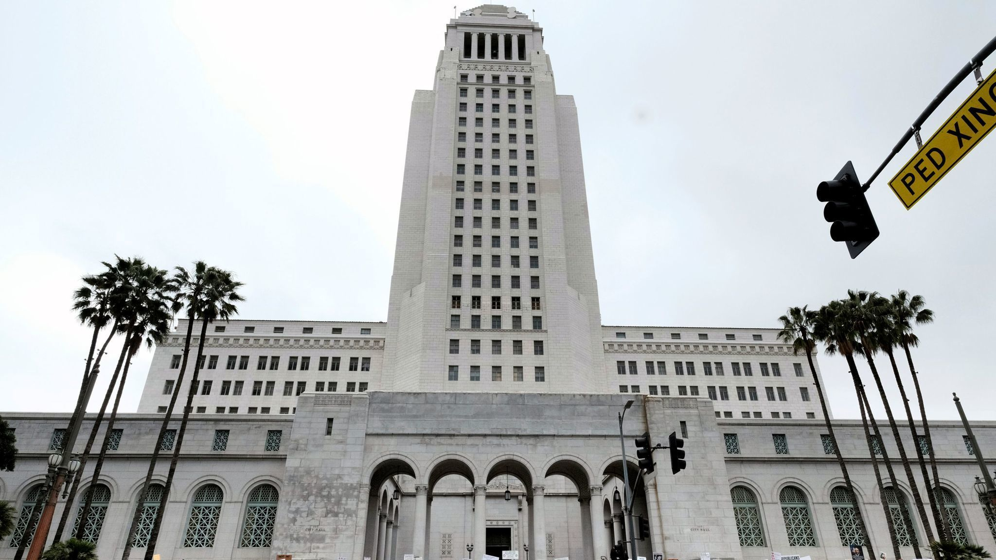 Fighting L.A. City Hall could get a lot more expensive