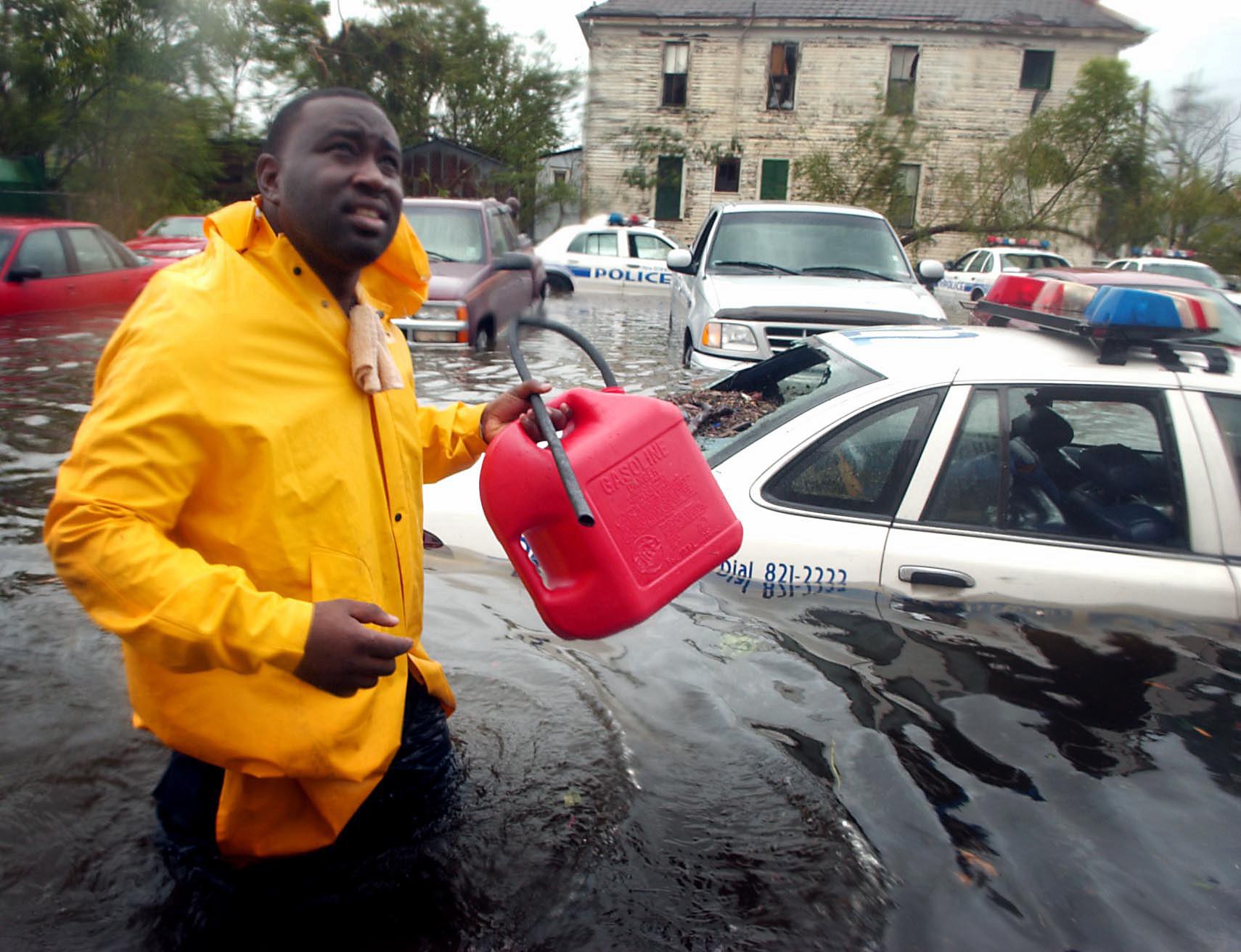 Dozens Killed Damage Heavy As Katrina Roars In Los