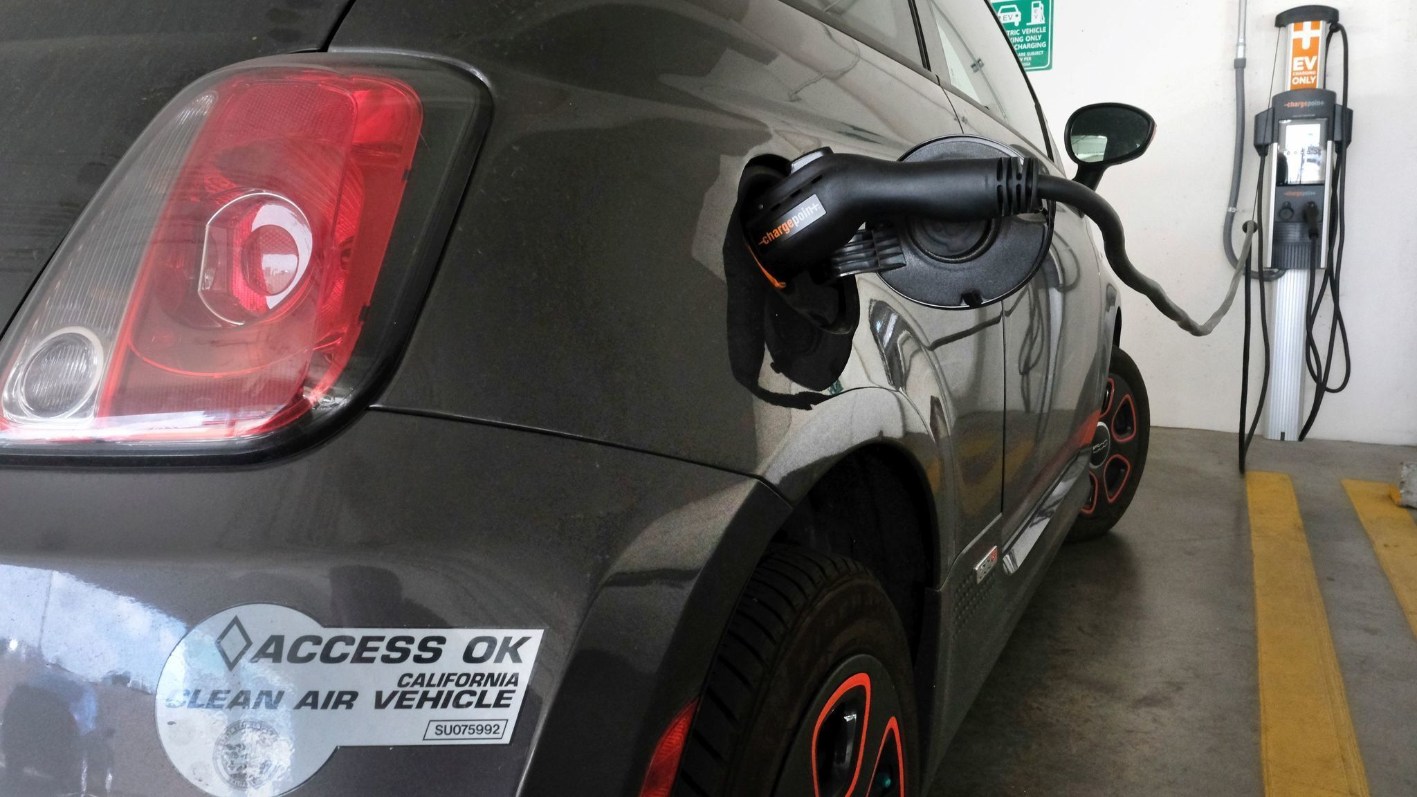 Funding for 3 billion electric car rebate bill is up in the air la times