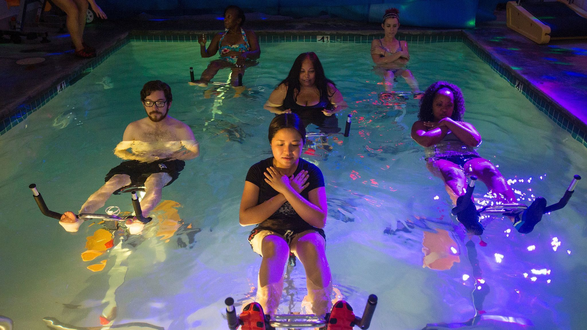 Aqua Cycling A Fun Soothing Underwater Workout La Times