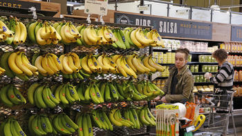 Whole Foods' price comparison of five grocers shows Wal-Mart's not the cheapest