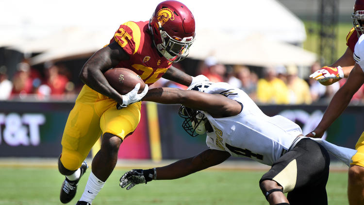 USC running back Ronald Jones II has averaged 6.4 yards a carry during his college career. (Wally Skalij / Los Angeles Times)