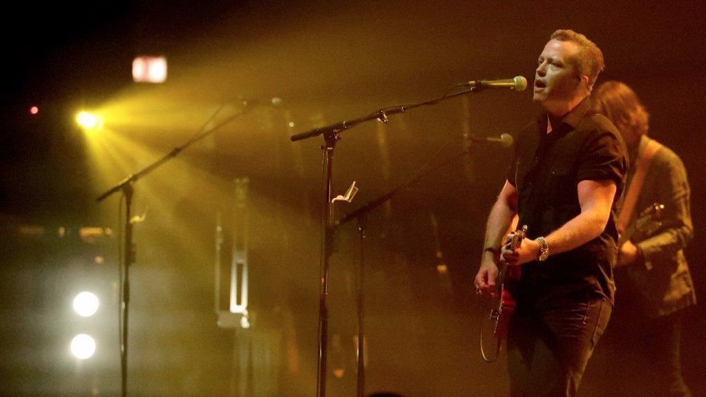 Jason Isbell Fills Chicago Theatre With Potency Passion Chicago