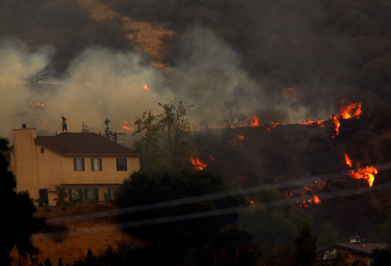210 freeway reopened all evacuation orders lifted as firefighters gain upper hand on verdugo mountains fire la times