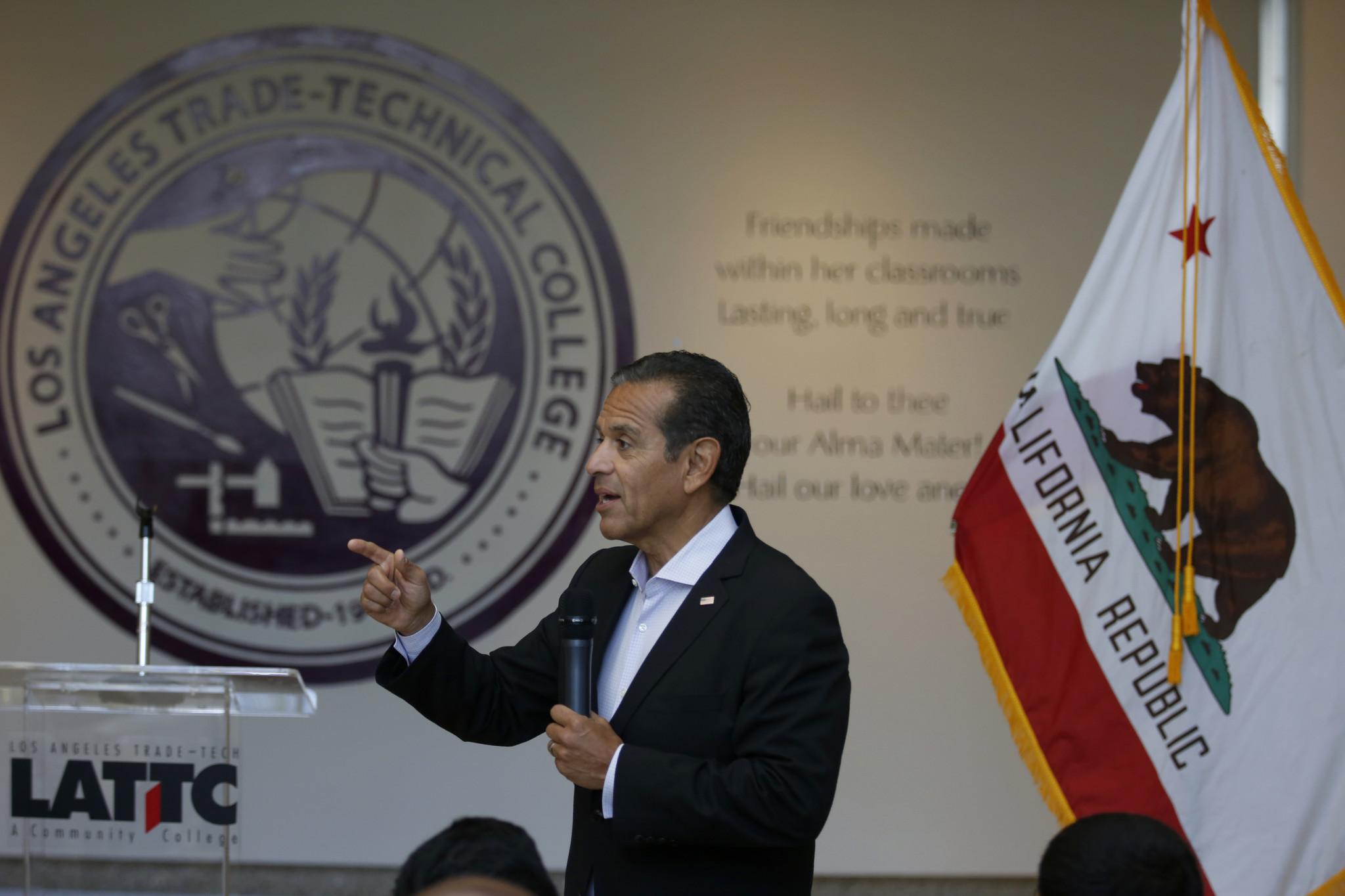 Former Los Angeles Mayor Antonio Villaraigosa speaks at at Los Angeles Trade-Technical College on Aug. 29. (Francine Orr / Los Angeles Times)