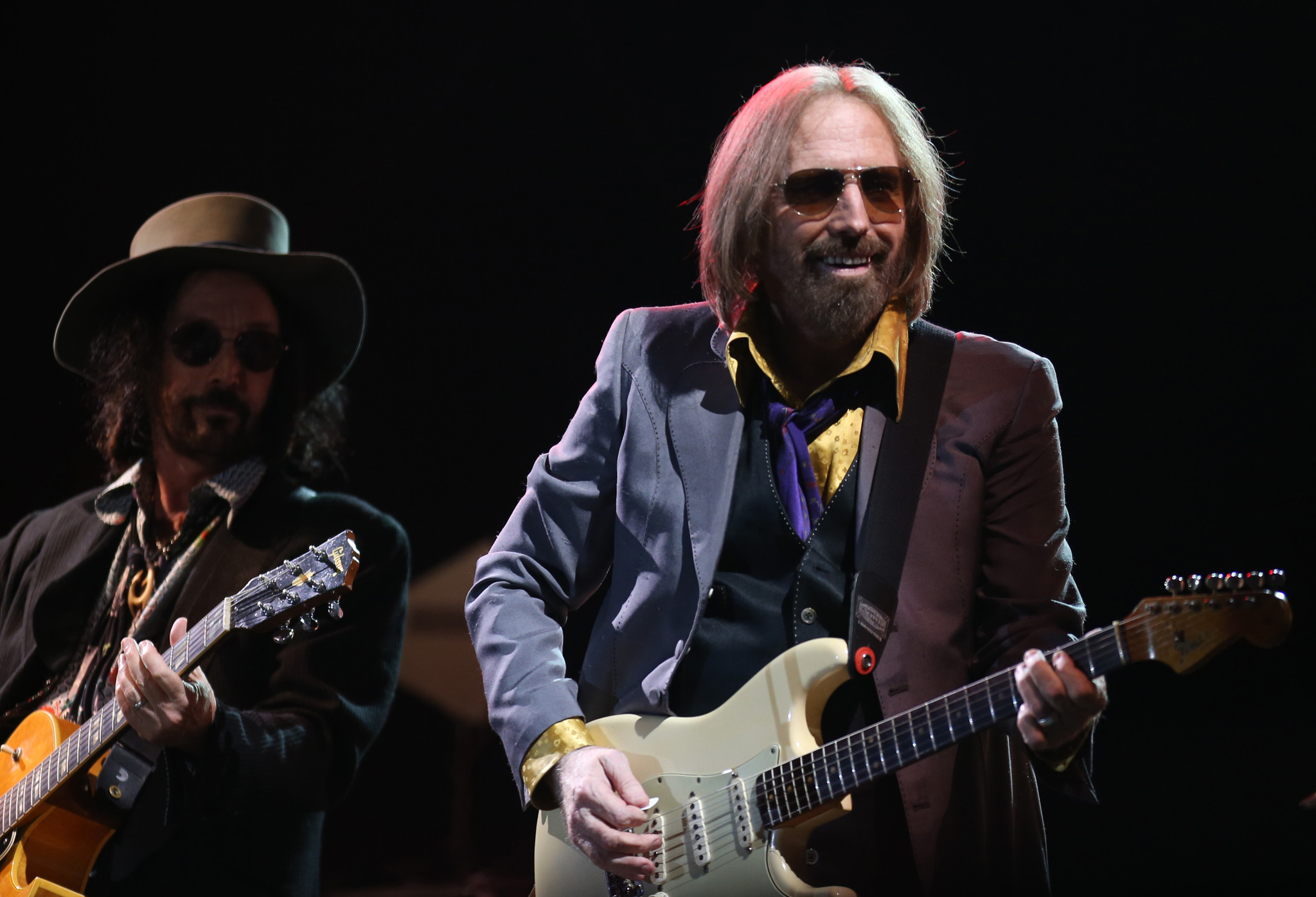 Tom Petty & the Heartbreakers perform.