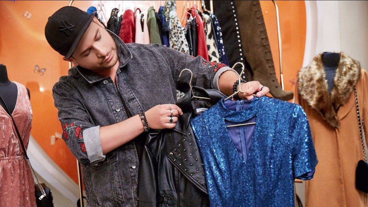 Image consultant and stylist Lo Von Rumpf works with Lucy Hale, Kelli Berglund and Jake Miller.