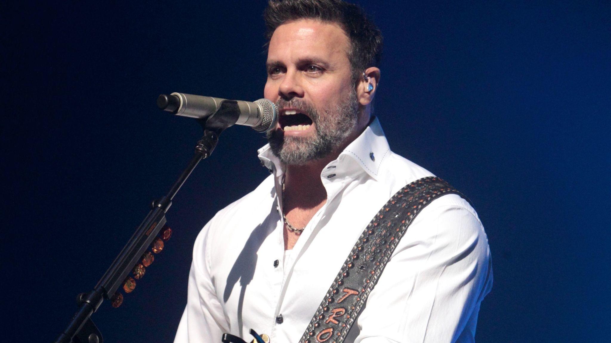 Award Winning Country Music Performer Troy Gentry Dies In