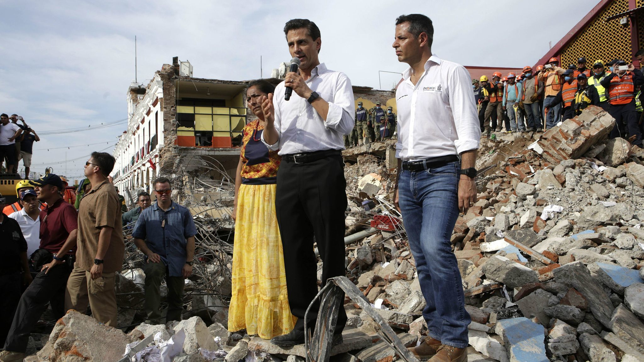 After an earthquake and a hurricane — and Trump's failure to send condolences — Mexico rescinds offer of aid to U.S.