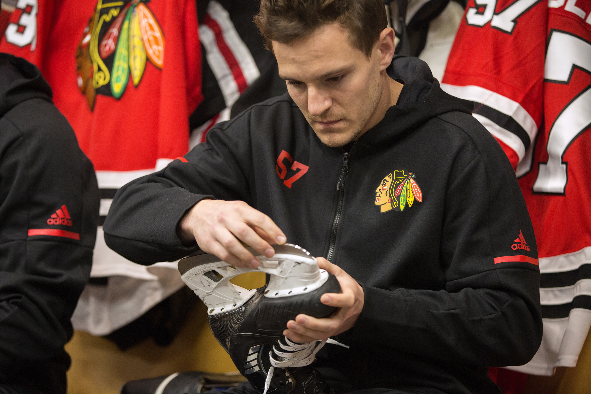 There s no place like home for new Blackhawks forward Tommy Wingels -  Chicago Tribune f0d35e911