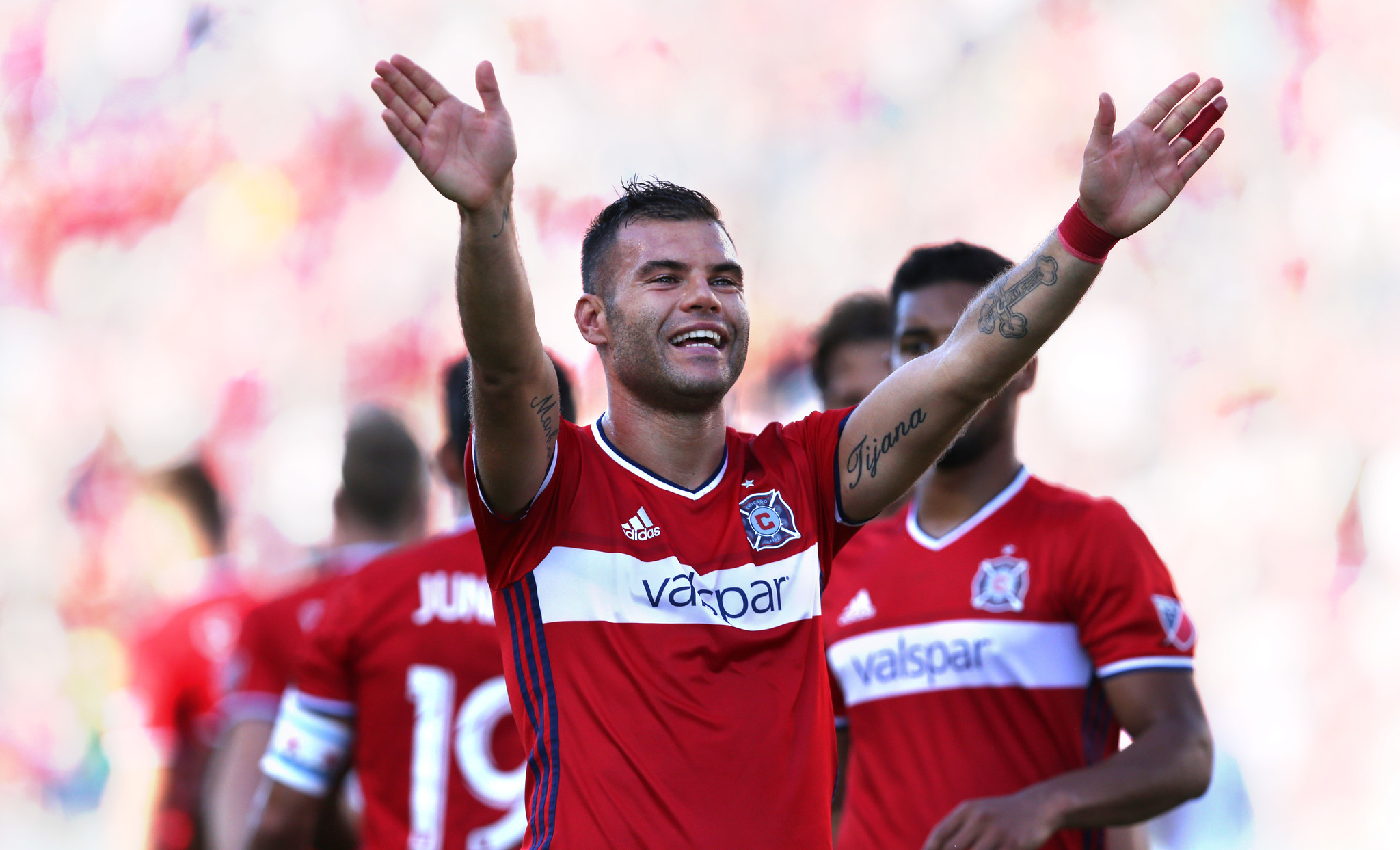 Ct-hoy-nikolic-ties-club-record-with-18th-goal-in-fire-s-3-0-win-20170916