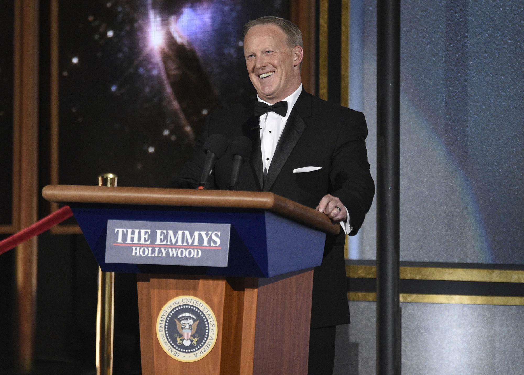 Sean Spicer at the 2017 Emmy Awards. (Chris Pizzello / Invision/AP)