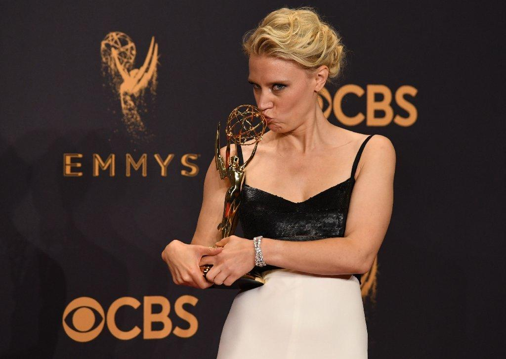 'SNL' star Kate McKinnon brings girlfriend to the Emmy Awards