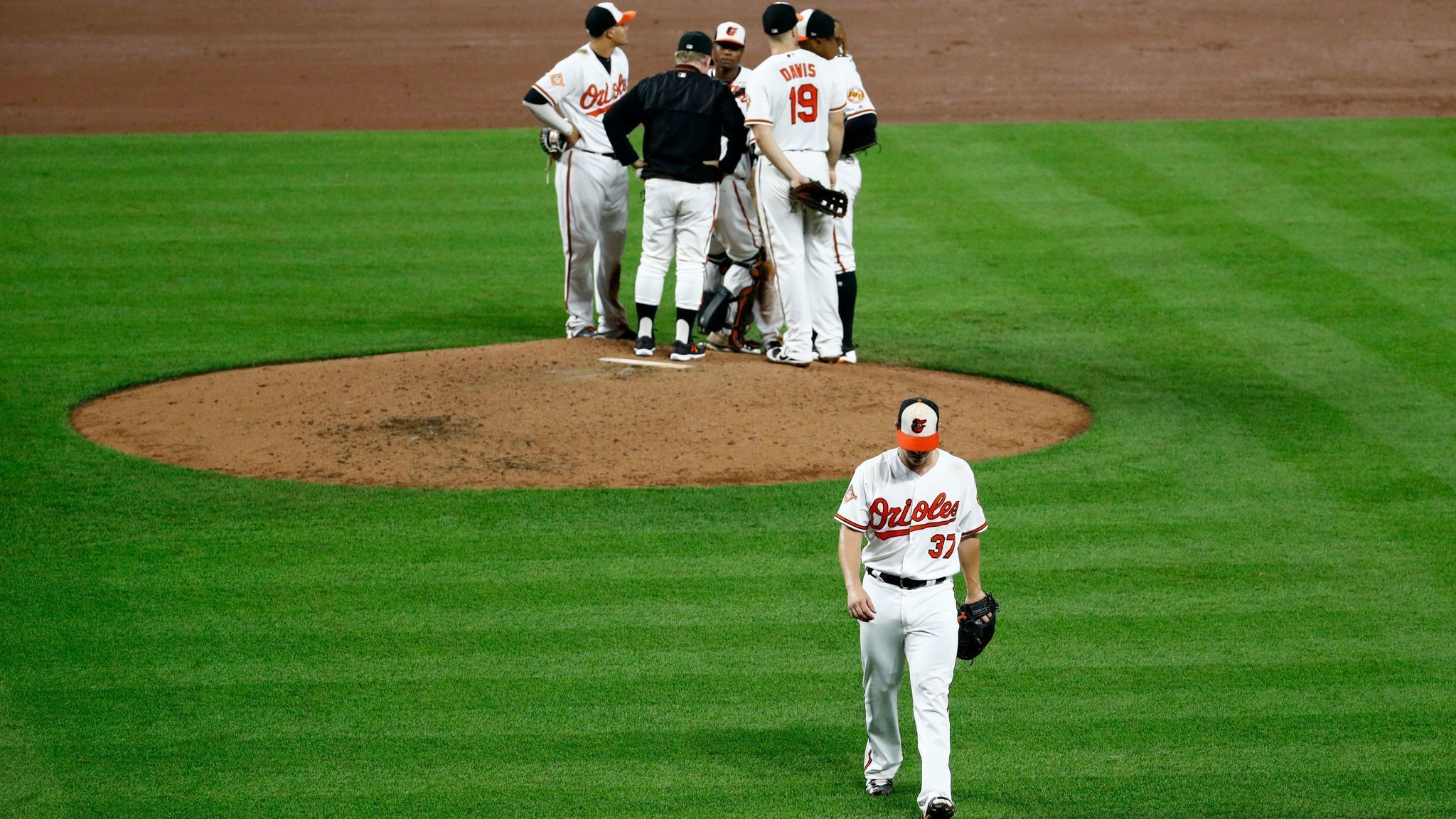 Bs-sp-orioles-cant-hold-early-lead-against-red-sox-20170918