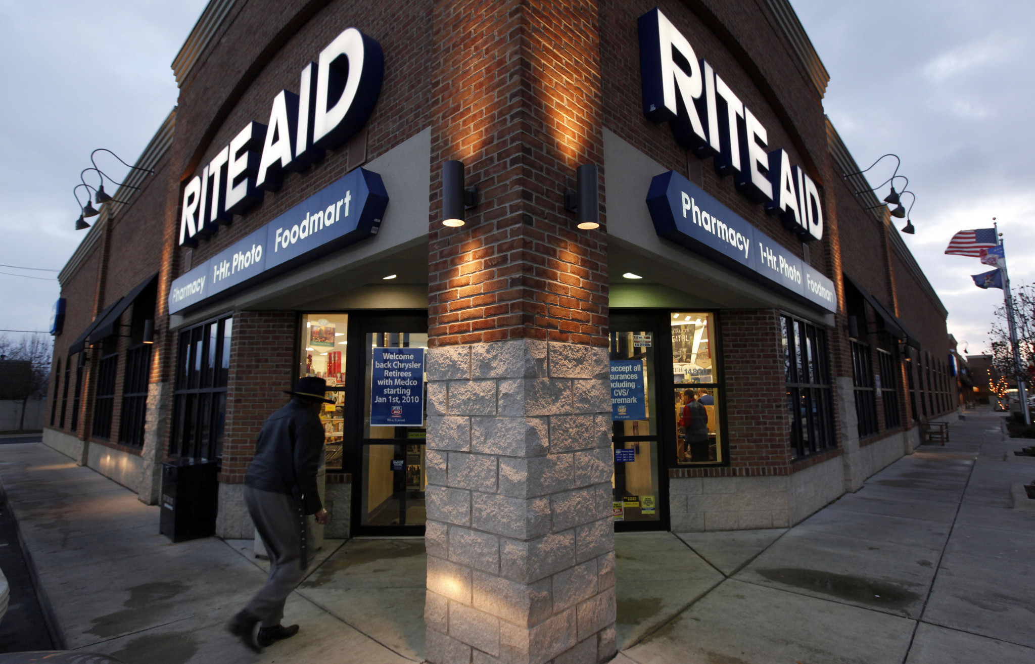 Walgreens' $4.4 billion deal to buy Rite Aid stores gets U.S. approval