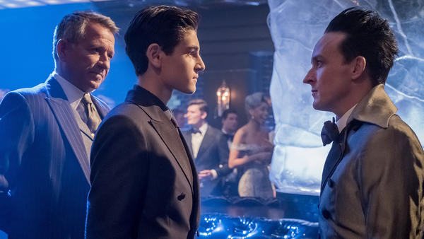 Thursday's TV highlights: 'Gotham' on Fox