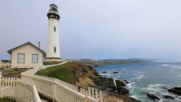 On a road trip up the coast, I linger too long over lighthouses and eat way too much pie. Surprised?
