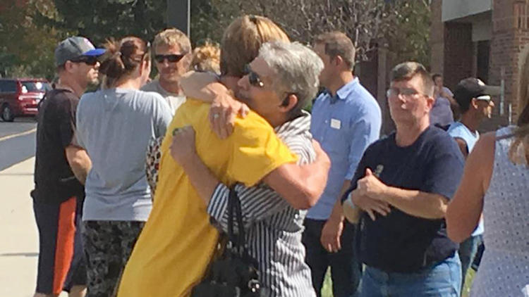Teacher's response saves lives during Mattoon School shooting (chicagotribune.com)