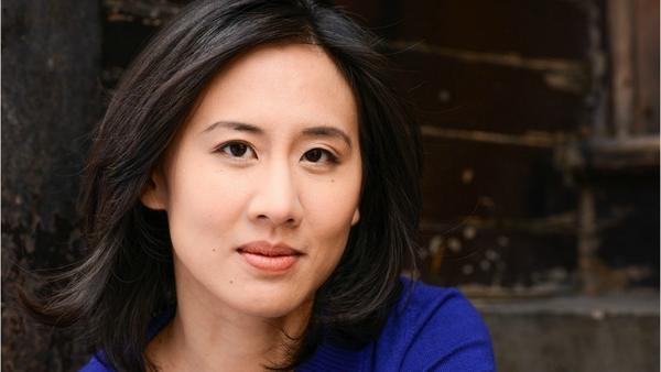 Celeste Ng's new novel 'Little Fires Everywhere' sets suburbia aglow