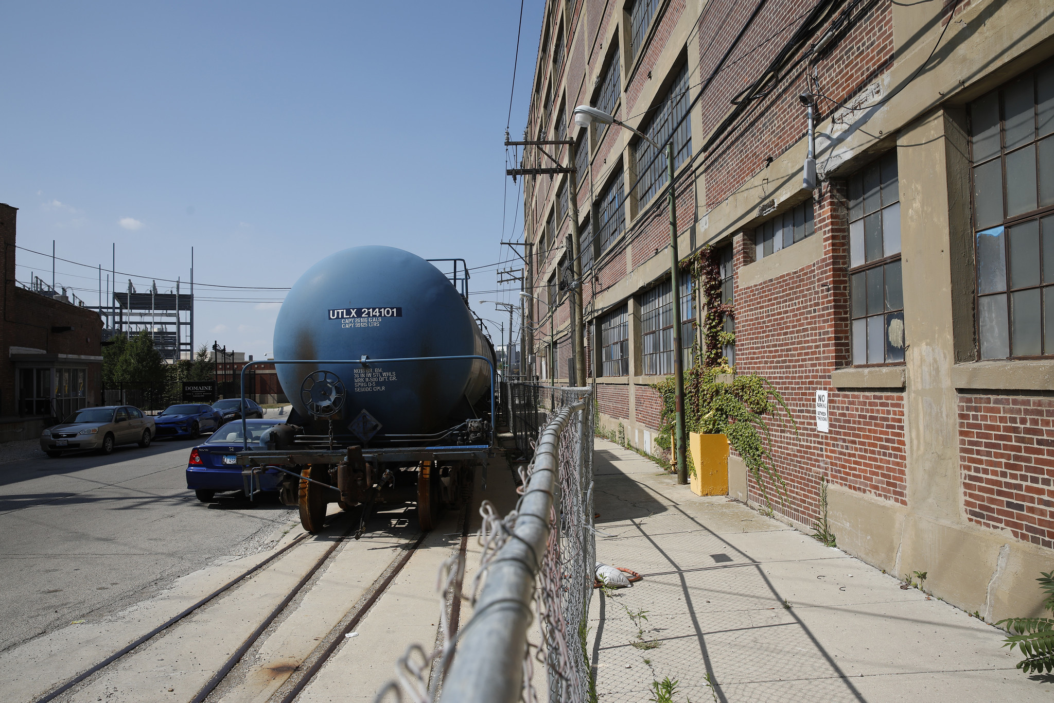 Goose island landlords worry railroad trolls will derail north side development chicago tribune