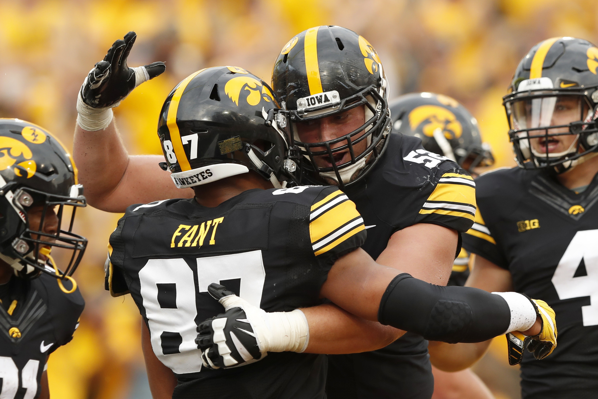 Ct-penn-state-iowa-preview-spt-0923-20170922
