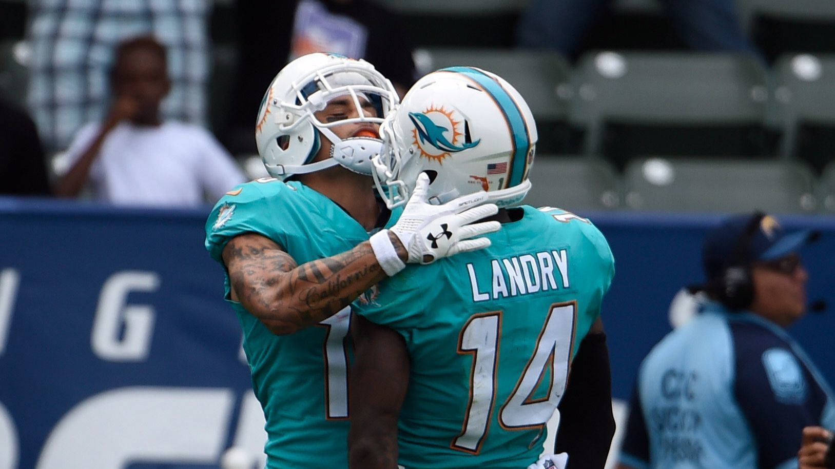 Jarvis Landry delivered fiery halftime speech in Dolphins win