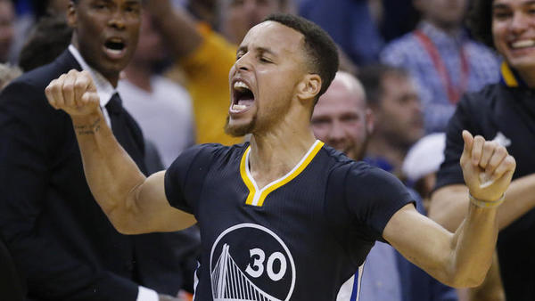 Trump pulls White House invitation from Golden State Warriors after Curry said he opposed accepting it