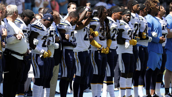 Chargers' Chris McCain explains reasons for kneeling during national anthem