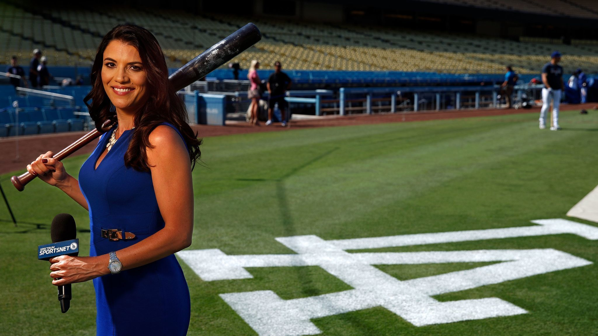Dodgers broadcaster Alanna Rizzo is the team's go-to interviewer. How she earned players ...