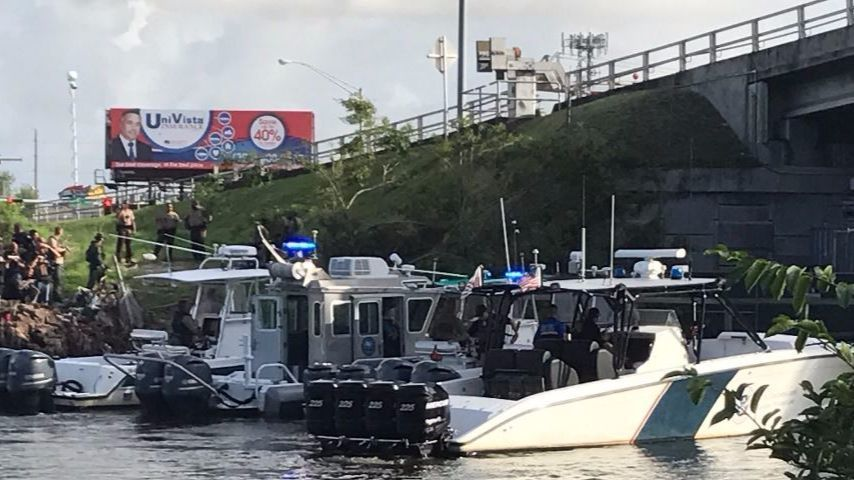 miami river cops Pirates in blue [chris mancini] on amazoncom free shipping on qualifying offers true crime of the miami river cops were dopers with police badges that swapped the palm beach insignia of.