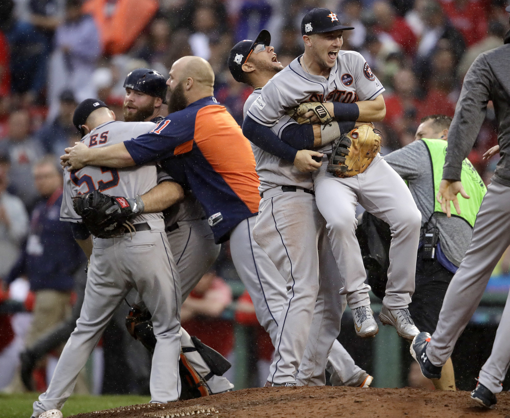 Ct-astros-beat-red-sox-advance-to-alcs-20171009