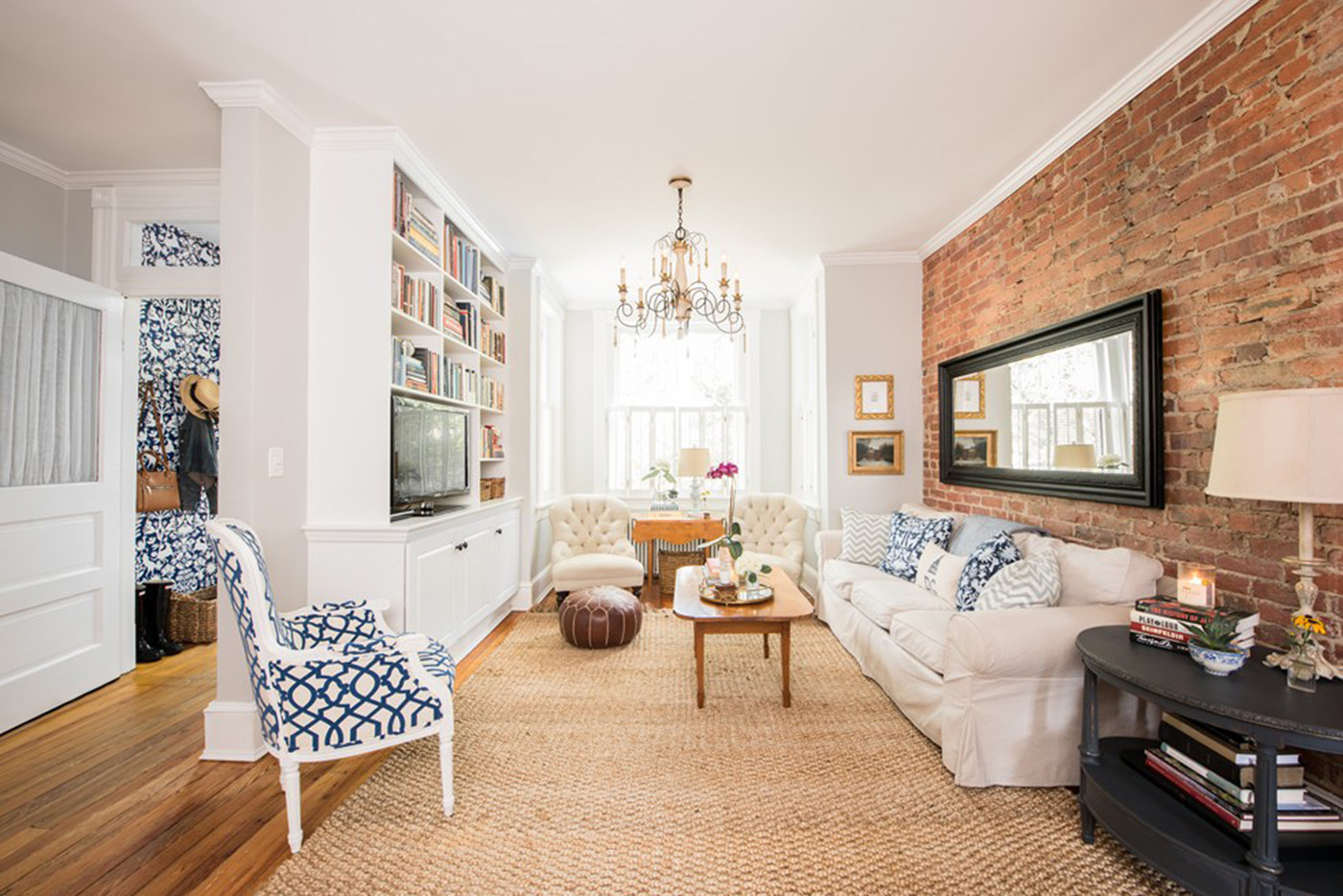 An Urban Rowhouse With A Sense Of Home Chicago Tribune