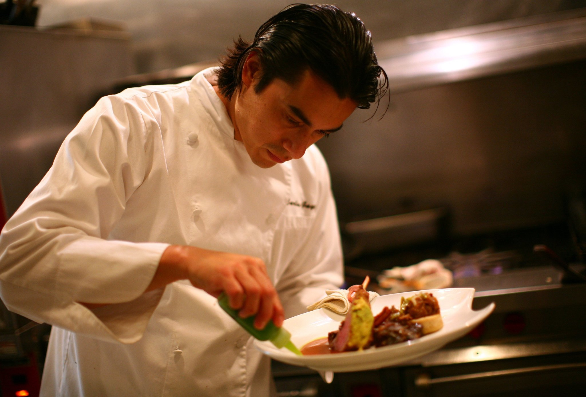 First Mexican Michelin Star Chef With Base In Chicago Takes His Flavors Back Home Hoy Chicago